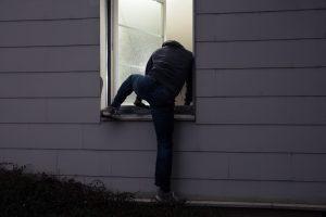 Deur-openmaken-door-klimmen